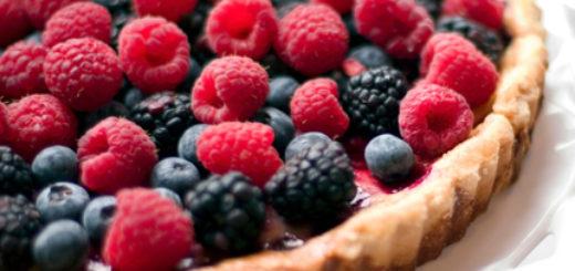 crostata crema pasticcera e frutti rossi