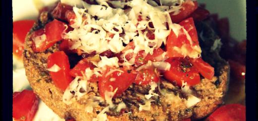friselle-con-pomodori-e-fiore-sardo-dop