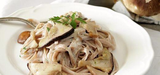 tagliatelle-castagne-di-vallerano-dop-noci-e-funghi