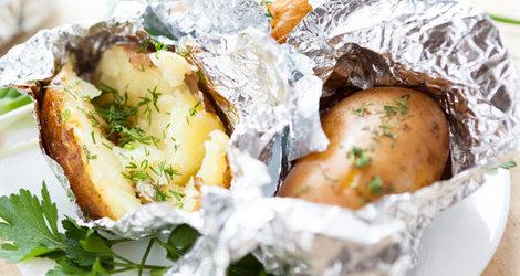 patate al cortoccio alle erbe aromatiche