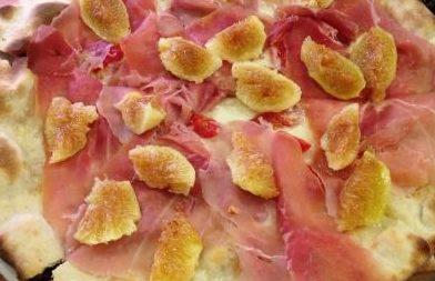 pizza prosciutto di parma e fichi