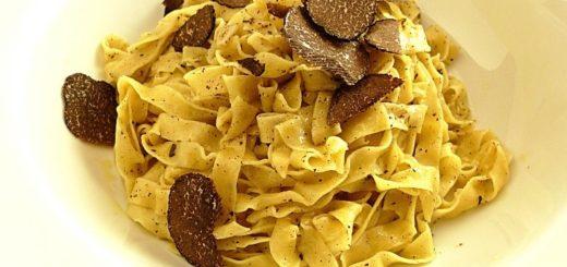 tagliatelle-al-tartufo-scorzone-nero