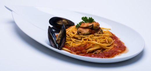 Spaghetti alla Chitarra con sugo di moscioli